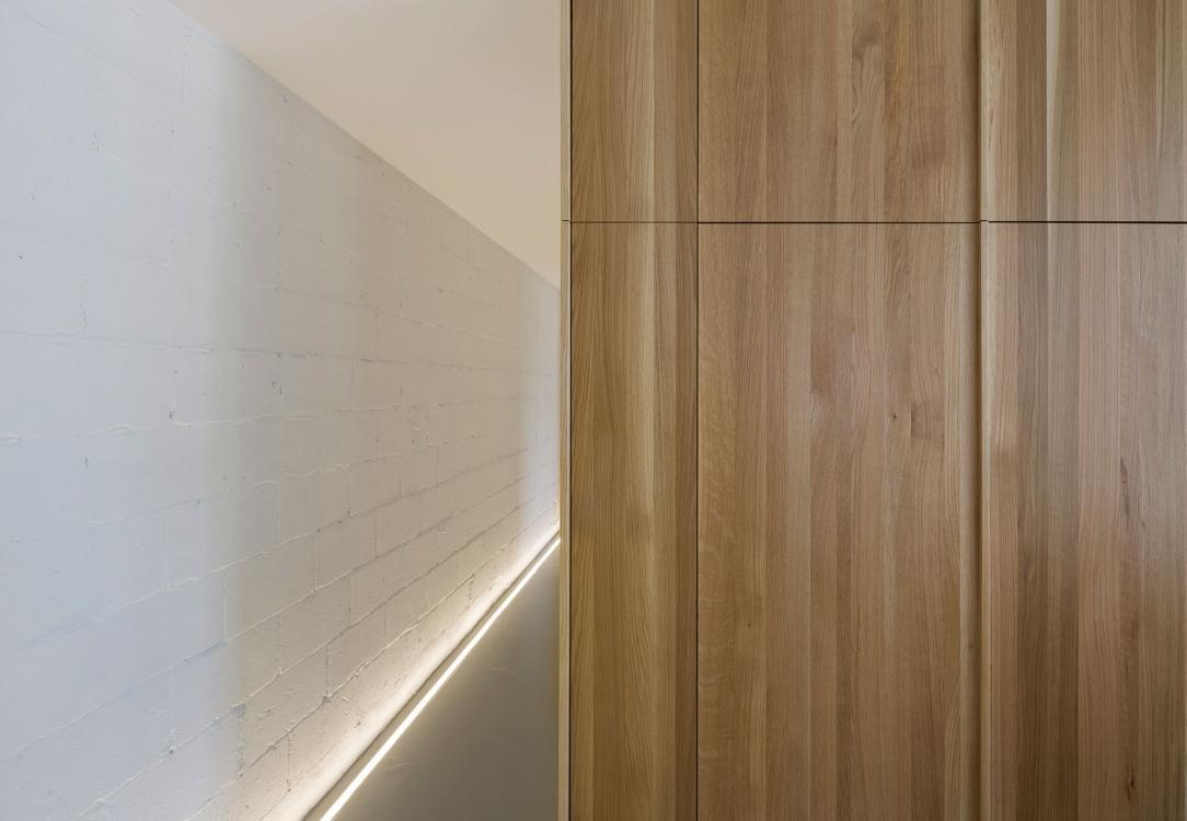 LED skirting extrusion
