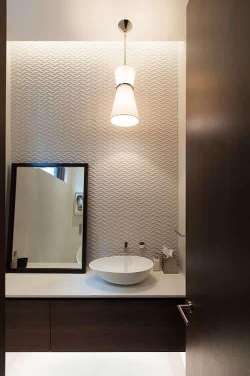 Bathroom recessed DEL lighting